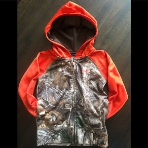 Boys Under Armour zip-up hoodie. Size 3T